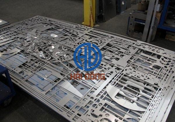 Gia công cắt CNC inox bằng laser