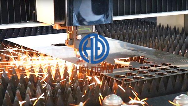 Cắt kim loại bằng công nghê laser fiber